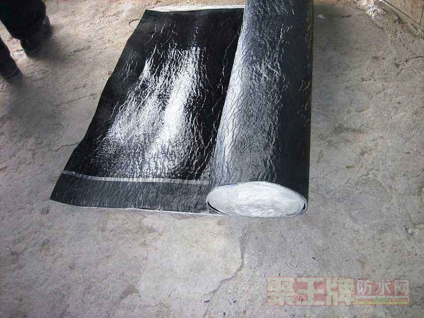 自粘聚合物改性沥青防水卷材_厂家直供