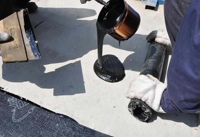 非固化橡胶沥青防水涂料与卷材的复合施工工法