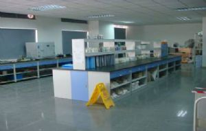 井然有序的仓库跟实验产品室