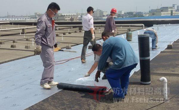 单层防水卷材屋面机械固定施工工法