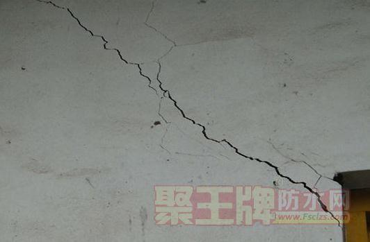 混凝土裂缝图