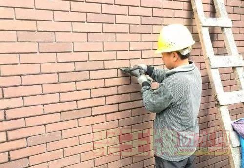 当瓷砖遭遇填缝剂泛碱,怎么办?.png