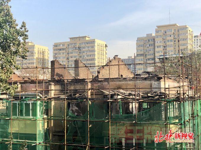 防水施工现火灾?北京垂杨柳北里,住户认为火灾或与外墙保温和防水施工有关