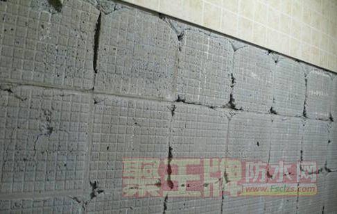 瓷砖脱落原因有哪些,瓷砖脱落如何修复 有的人主是防水的问题对吗?