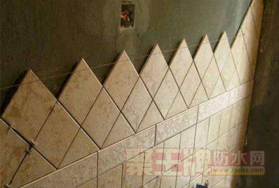 装修现场 瓷砖大面积脱落,到底谁之过?