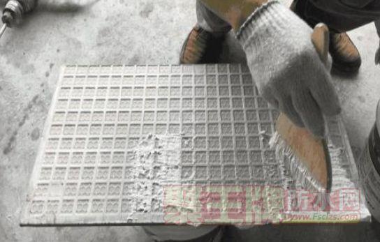 点击查看瓷砖背胶品牌哪个好?怎样正确使用瓷砖背涂胶?详细说明