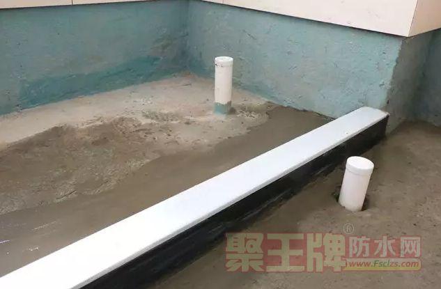卫间生防水:挡水条应预先埋设并填实