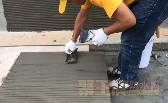 瓷砖的铺贴材料——湘彩瓷砖胶+背涂胶