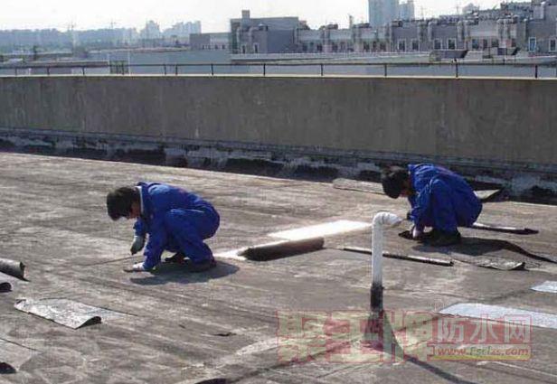 平屋面SBS防水卷材与聚氨脂防水涂料组合防水施工工艺