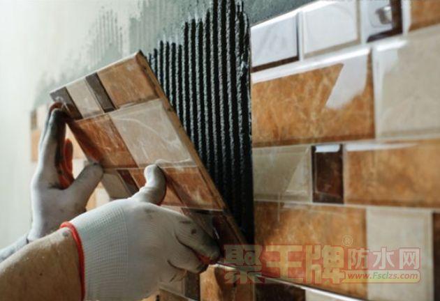 """贴砖""""防空鼓"""",用朗凯奇瓷砖背胶"""