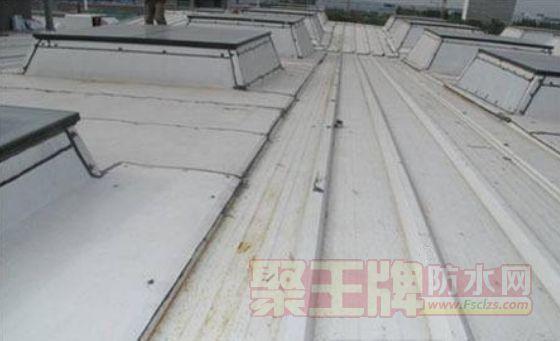 金属屋面厂房漏水因素与措施