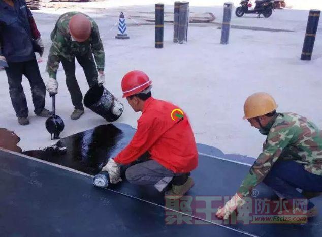 防水补漏施工 防水补漏一定要注意重点区域的防水.png
