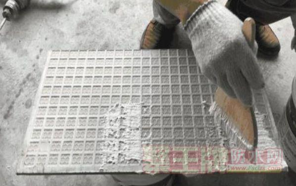 瓷砖铺贴用什么材料好?瓷砖背胶的如何使用?
