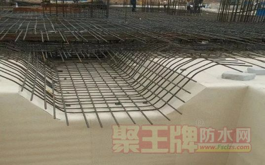 预铺反粘防水卷材施工工艺 地下工程结构底板防水的预铺反粘系统