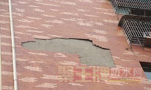 卫生间做防水后墙面瓷砖起鼓、脱落,到底是谁的责任?