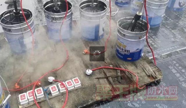 佳星防水|浅谈非固化防水涂料与自粘卷材复合使用于车库顶板、地下室的施工技巧,打造防窜水、零渗漏品质工程