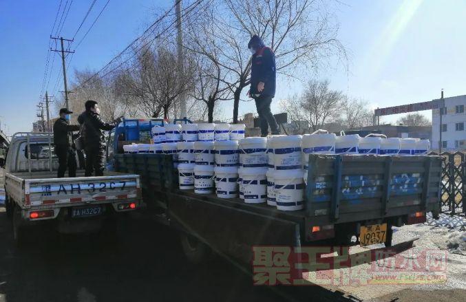 五星防水材料:疫情防控 保障供给 3月11日为客户发出第二批货物。