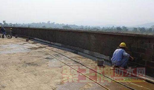 屋面防水材料怎么选择:屋面漏水怎么处理?